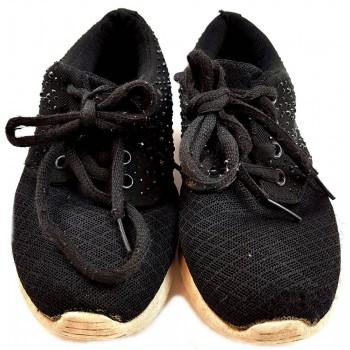 Fekete strasszos sportcipő (28-29)